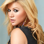 Kelly Clarkson - What Doesn't Kill You (Stronger) Songtext und Lyrics auf Songtexte.com