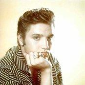 Elvis Presley 0f7cba4e07eb46489b194f947bfed404