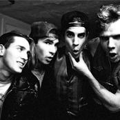שירים להורדה Red Hot Chili Peppers ישירה