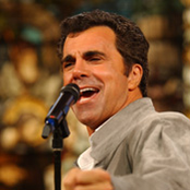 Carman - Isn't He Wonderful/He Keeps Me Singing/Since Jesus Came Into My Heart Songtext und Lyrics auf Songtexte.com