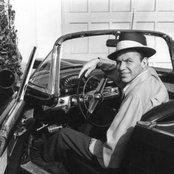 Frank Sinatra 1c10b16bf696468498ab59c8dc0f2aa1
