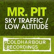 Sky Traffic / Low Altitude