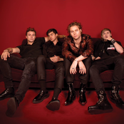 e5a0312103c 5 Seconds Of Summer - YoungBlood Lyrics