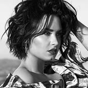 Demi Lovato - Yes I Am Songtext, Übersetzungen und Videos auf Songtexte.com