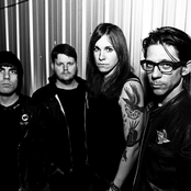 Against Me! - Borne on the FM Waves of the Heart Songtext und Lyrics auf Songtexte.com