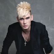Colton Dixon Songtexte, Lyrics und Videos auf Songtexte.com