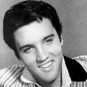 Elvis Presley 3baad2c9ae844a7b9d039f50707a9af7
