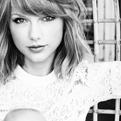 Taylor Swift - We Are Never Ever Getting Back Together Songtext und Lyrics auf Songtexte.com