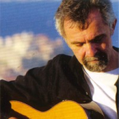 Manfred Siebald - Die Fliege ist tot Songtext und Lyrics auf Songtexte.com