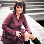 Åsa Jinder Songtexte, Lyrics und Videos auf Songtexte.com