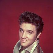 Elvis Presley 5fd2d37f5e714d9d8ac4c7f026de4718