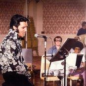 Elvis Presley 6443a6e682a74d678b9a6285126dbcab