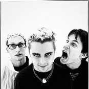 Green Day - Boulevard of Broken Dreams Songtext und Lyrics auf Songtexte.com