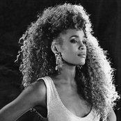 Whitney Houston - Step by Step Songtext und Lyrics auf Songtexte.com
