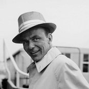 Frank Sinatra a246dc8acb764f2f9cdb3c0bd0ae9052