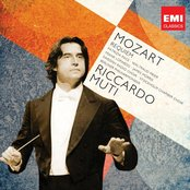 Mozart: Requiem & Ave Verum