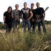 3 Doors Down - Your Arms Feel Like Home Songtext und Lyrics auf Songtexte.com