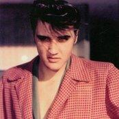 Elvis Presley bd62cdfbd99e44ebac9a0fdd7ce1edb0