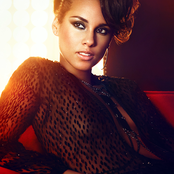 Alicia Keys - Girl on Fire Songtext und Lyrics auf Songtexte.com