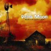 Howlin' At the Southern Moon