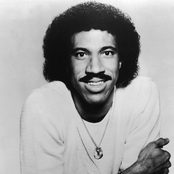 Lionel Richie - Stuck on You Songtext und Lyrics auf Songtexte.com