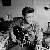 Elvis Presley caaa219b1f0f4ebc9c5a18d615350895