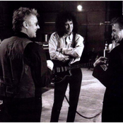 Queen - We Will Rock You Songtext, Übersetzungen und Videos auf Songtexte.com