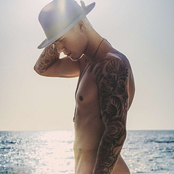 Justin Bieber - That Should Be Me Songtext und Lyrics auf Songtexte.com