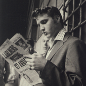 Elvis Presley - Close Up Songtexte und Lyrics auf Songtexte.com