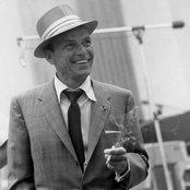 Frank Sinatra f087d1b9f5354841b4b360acd21af6da