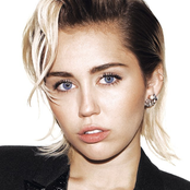 Miley Cyrus - When I Look at You Songtext und Lyrics auf Songtexte.com