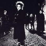 The Cure - Friday I'm in Love Songtext und Lyrics auf Songtexte.com