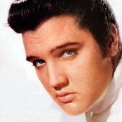 Elvis Presley f769871c758e432f9978e5344670b17c