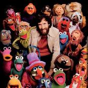 Muppets - It Feels Like Christmas Lyrics | MetroLyrics