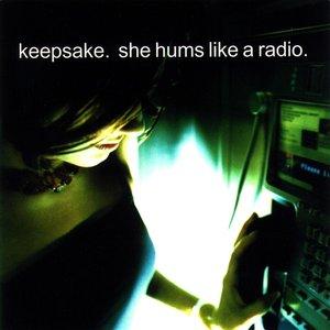 Imagem de 'She Hums Like a Radio'
