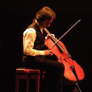 Image for 'Jean-Guihen Queyras, Radio-Sinfonieorchester Stuttgart des SWR, Sir Roger Norrington'
