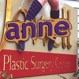 """""""plastic surgery center""""的封面"""