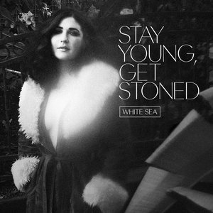 Imagem de 'Stay Young, Get Stoned'