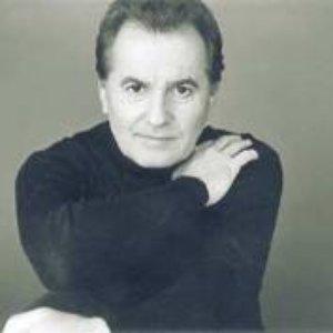 Immagine per 'Víctor Manuel'