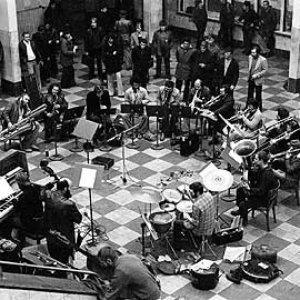 Imagem de 'Globe Unity Orchestra'