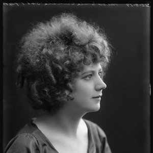 Image for 'Elsie Carlisle'