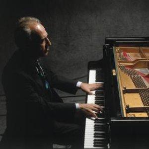 Image for 'Claudio Abbado, Maurizio Pollini, Wiener Philharmoniker. Robert Scheiwein Cello Solo'