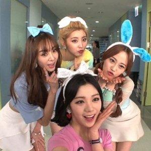 Immagine per '참소녀 (권소현, 지나, 리지, 영지) [Chamsonyeo (Sohyun, Lizzy, Youngji, G.NA)]'