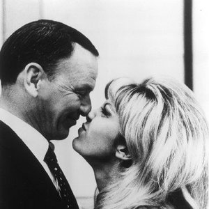 Image pour 'Frank & Nancy Sinatra'