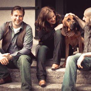Bild för 'Sweet Little Bloodhound'