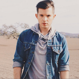 Simon Curtis photo