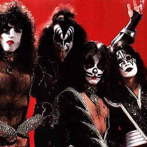 Bild för 'Kiss'