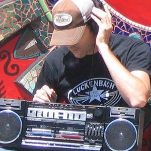 Bild för 'Radio Nowhere'