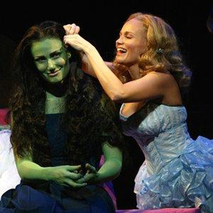 Bild för 'Idina Menzel & Kristin Chenoweth'