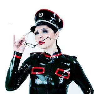 Bild för 'Miss Construction'
